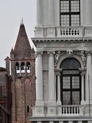 Venice - fragment (magellano) Tags: venezia venice venecia venedig architettura architecture campanile bell tower palazzo palace colonna column finestra window ventana