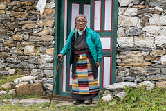 Woman from Khumjung (Stan Adam) Tags: passes nepalthree nepal trek everest everestthreepassestrek