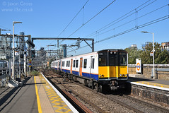 d38257 (15c.co.uk) Tags: class315 315801 bethnalgreen londonoverground
