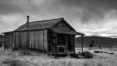 02469376423055-117-19-10-Gold Point Ghost Town-18-Black and White (Don't Mess With Jim) Tags: 2019 america fujifilmxt30 fujifilmxf1855mmlens goldpoint miningtown nevada october usa autumn clouds cloudy desert fall ghosttown monochrome blackandwhite