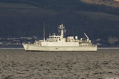 RN Sandown-class mine hunter HMS Ramsey, M110; Clyde Anchorage, Firth of Clyde, Scotland (Michael Leek Photography) Tags: warship boat vessel nato navalvessel minehunter minesweepers hmnbclyde hmnb hmsneptune faslane gareloch clyde clydeanchorage firthofclyde greenock rn royalnavy britainsarmedforces britainsnavy workingboat workboat scotland scottishlandscapes scottishcoastline scotlandslandscapes scottishshipping westcoastofscotland westernscotland michaelleek michaelleekphotography sandownclass