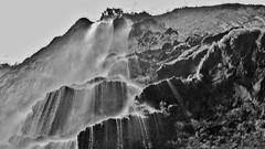 MEXICO, Yukatan , Chiapas ,  Sumidero Canyon, Steile Felsen und Wasserfälle, serie, 19359/12050 (roba66) Tags: tuxtla gutiérrez río grijalva cañón sumidero del canyon schlucht lake see mexiko mexico mécico méjico nordamerika northamerica zentralamerika yukatanhalbinsel rundreise 2017 roba66 yucatán chiapas water wasse rio fluss urlaub reisen travel explore voyages visit tourism landschaft landscape paisaje nature natur naturalezza mountains montana mountain berge range felsen rock rocks flusslandschaft riverscape river wasser waterscape waterfall wasserfall cascadas cascade