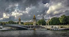 Paris ... vue du pont Alexandre III et du Grand Palais ... (Al Sanin) Tags: paris france seine alsanin