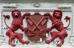 Coat of arms - Leiden (NL° (Rick & Bart) Tags: leiden city zuidholland thenetherlands nederland stad rickvink rickbart canon eos70d architecture coatofarms