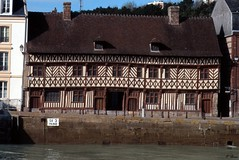 La maison Henri IV - St-Valery-en-Caux (Philippe_28) Tags: saintvaleryencaux caux 76 seinemaritime france europe normandie normandy argentique analogue camera photographie film 135