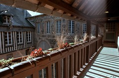 Maison Henri IV à St-Valery-en-Caux (Philippe_28) Tags: saintvaleryencaux caux 76 seinemaritime france europe normandie normandy argentique analogue camera photographie film 135