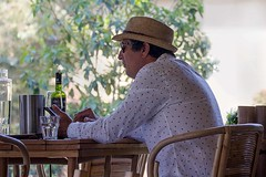 Lonesome Liquid Lunch (l plater) Tags: uppereastsidebondi sydney dailymail