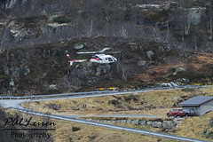 Airlift - LN-OXE - 2019.10.30 - Suleskard (Pål Leiren) Tags: sulekard vest agder vestagder mountain road airbus airlift lnoxe airbushelicopters as350b3 airliftas planespotting aviation aircraft canon7d 2019