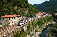 96087 (220 051) Tags: italien italia italy italie italië италия 意大利 itaalia იტალია ιταλία イタリア 이탈리아 itália италија italija ประเทศอิตาลี itálie italya olaszország eisenbahn railway ferrovia bahn rail spoorweg spoorwegen railroad jernbane ferrocarril kolej järnväg chemindefer železnica železnice dráha rautatie железная 鉄道 σιδηρόδρομοσ 铁路 기차 zug train treno tren comboio trein tog tåg pociąg vlak juna поезд 列車 τρένο