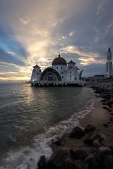 Malacca straits mosque (Dingo photography) Tags: landscape sky ray uwa malaysia malacca mosque goldenhour sunset sun