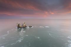 (erligarai) Tags: canoneos6d liencres costa kostaldea cantabria manzano mar sea ef1740mmcanon red gorria sunrise amanecer