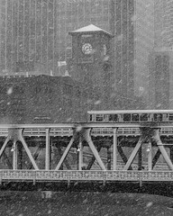 Halloween in Chicago (Kenny C Photography) Tags: halloween chicago downtownchicago windycity snow snowing snowy fallcolors fallinchicago fall chicagobridges enjoyillinois illinois 2019 midwest snowfall cta ctachicago train ltrain reidmurdochbuilding