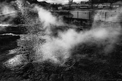 Amazing Iceland - Secret Lagoon (Passie13(Ines van Megen-Thijssen)) Tags: ijsland iceland island secretlagoon lagoon geysir geiser lagune pool hotwater canon blackandwhite bw sw zw zwartwit monochroom monochrome monochrom inesvanmegen inesvanmegenthijssen hotspring