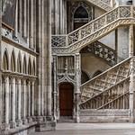 01с Лестница в библиотеку собора в Руане