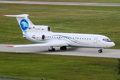 RA-42432 (PlanePixNase) Tags: aircraft airport planespotting haj eddv hannover langenhagen saratov yak 42 yakovlev яковлев як42 yk42