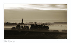 Village du Landreau au lever du jour (Bruno-photos2013) Tags: brume brunolandry brouillard bretagne vignoble paysageligérien paysdeloire lelandreau leverdujour bretonne loireatlantique