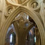 10 Уэльский собор Опрокинутые арки центральной башни 1321 г