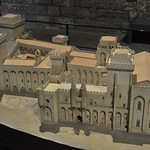 67 Макет папского дворца в Авиньоне
