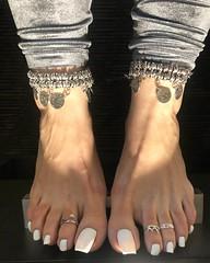 foot__tease (l.mew24) Tags: beautifulfeet flexing veins veiny footfetish sexyfeet foot toes veinyfeet tendons sexy feet prettytoes perfectfeet footveins prettyfeet extremetendons teamprettyfeet whitetoes
