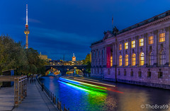 Festival of Lights 2019 (ThoBra69) Tags: berlin wasser spree schiff bodemuseum fernsehturm rotesrathaus museumsinsel park blauestunde festivaloflights