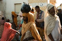Harar, Ethiopia (.sl.) Tags: harar streetphotography éthiopie ethiopia africa women muslim market sun flare street crowd