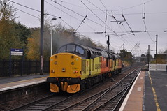37219 & 37521 at Morpeth (stephen.lewins (1,000 000 UP !)) Tags: colas class37 37219 37521 jontyjarvis ecml tractors northumberland morpeth railways