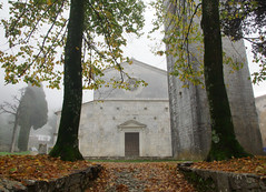 Autunno nella nebbia alla Pieve della Cappella (Darea62) Tags: church autumn trees leaves fog versilia tuscany italy architecture monument chiesa historic romanesque seravezza azzano