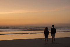 Amours naissantes -* (Titole) Tags: girl boy lovers young people seaside sunset evening titole nicolefaton couple thechallengefactory