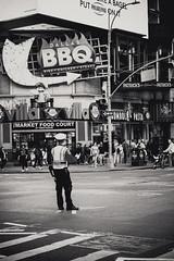 BBQ (Raúl Urrutia) Tags: usa nyc newyork nuevayork manhattan bw bn nypd