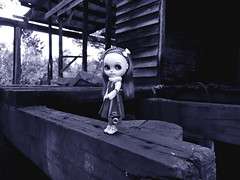 BaD OCT 29 - Haunted House (Fables I/VI) Tags: haunted mill town ghost blythedoll blytheneo blythe customblythedoll customdoll doll cameraminiature miniatures toyphotography