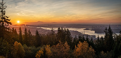 Autumn Sunrise (Sworldguy) Tags: sunrise vancouver cypress viewpoint majestic autumn westcoast sun orange wideangle panorama morning britishcolumbia canada mountains mountbaker urban cityscape harbour pacificnorthwest lionsgate downtown tourism sonya7iii panoramic metrovancouver