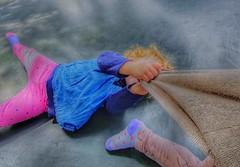 No te vayas (FOTOS PARA PASAR EL RATO) Tags: cdmx brincos juegos niñas niños