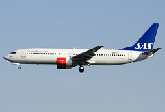 "LN-RRK  Scandinavian Airlines - SAS Boeing 737-883 ""Gerud Viking"" (Osdu) Tags: brusselsnational zaventem melsbroek bru ebbr ebmb aircraft airplane avion aeroplano aereo 机 vliegtuig aviao uçak аэроплан samolot flugzeug luftfahrzeug flygplan lentokone aeroplane طائرة letoun fastvingefly avión lennuk هواپیما flugvél aëroplanum самолёт 固定翼機 飛機 spotting planespotting avia aviation lnrrk scandinavianairlines sas"
