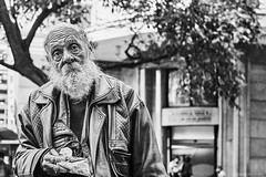 Mann (rainerneumann831) Tags: bw blackandwhite street strase streetphotography candid strasenfotografie monochrome urban ©rainerneumann riodejaneiro wwwrainerneumannphotographyde mann portrait