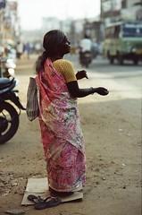 Erode,Tamil Nadu,India.10/2019 (Jerry501) Tags: portrait india woman street 85mm nikonf4 farbwelt kodakfarbwelt100 film expired