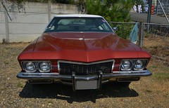 1972 Buick Riviera (pontfire) Tags: 1972 buick riviera 72 70s classic cars old vintage vieille voitures voiture ancienne car auto autos automobile automobili coche coches carro wagen collection de classique carros pontfire bil αυτοκίνητο 車 автомобиль antique oldtimer ebody personnal luxury prestige boattail boat tail styling bill mitchell general motors corporation gm 自動車 le mans 2018 lmc v8 2door coupe 455