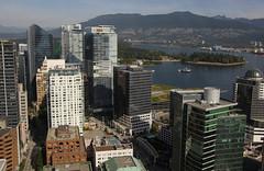 View from above, Vancouver (Canada) (herbert@plagge) Tags: vancouver stadt architektur kanada city canada architecture skyscraper buildings downtown britishcolumbia gebäude innenstadt vancouverlookout hochhäuser skyline