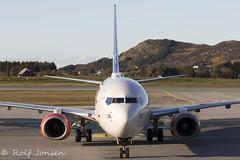 LN-RCX Boeing 737-800 Scandinavian Airlines Ålesund Airport Vigra 14.10-19 (rjonsen) Tags: plane airplane aircraft aviation airliner taxying airside sas