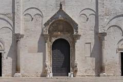 San Sabino (Gwen Fran) Tags: europe italie pouilles bari sansabino façade église church architecture puglia