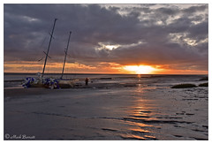 Sunset on the Ribble estuary, Lytham (M a r k . . . . . . . . . . . . .) Tags: lytham lancashire fylde coast fyldecoast dusk sunset landscape seascape boat foreshore mudflats outside outdoor