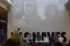 Mesa Bailando con el software: aplicaciones electrónicas en las artes escénicas