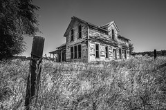 Hidden In the Hills (PNW-Photography) Tags: abandoned lost rural easternwashington washington farmer farm farming farmhouse rusty dusty old