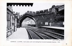 Conway LNWR Looking East (Duckwailk 2017) Tags: wales railway old black wiite blackandwhite photo stationsnorthwales oldbook stations north book scan conway lnwr lookingeast