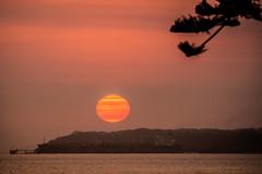Sunrise with Smoke (Mariasme) Tags: smoky sunrise scape big botanybay sydney november matchpointwinner mpt769 friendlychallenges