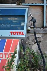Disused gas station (Alexandra Zurbach) Tags: gasstation fuel
