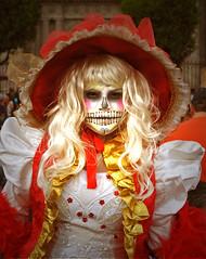 La Catrina (Harry Szpilmann) Tags: catrina diademuertos mexico woman skull portrait mexique carnaval streetphotography