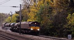 North Leaning (dhcomet) Tags: train freight ews db cargo uk hatfield herts hertfordshire 66086 66098 railway rail head treatment network railhead