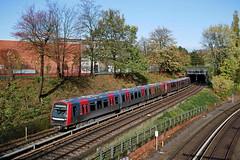 P1970012 (Lumixfan68) Tags: hamburg eisenbahn hamburger ubahn et züge hochbahn dt4 triebzüge stadtverkehr
