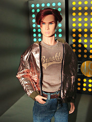 Romain (Deejay Bafaroy) Tags: fashion royalty fr integrity toys doll puppe male homme romain romainperrin silentpartner portrait porträt turquoise türkis yellow gelb blue blau sunny sonnig light licht shadows schatten eveningsun abendsonne beige jacket jacke