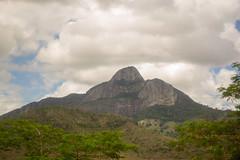 DSC_6996_edited (Proflázaro) Tags: brasil nordeste bahia interior montanha montanhadabahia paisagem paisagemnatural céu nuvem azul branco verde árvore cerrado árvoredocerrado paisagemdabahia paisagemdonordeste paisagemdobrasil natureza naturezadabahia naturezadonordeste naturezadobrasil viagem viagempelabahia viagempelonordeste viagempelobrasil ecologia nikon nikond3100